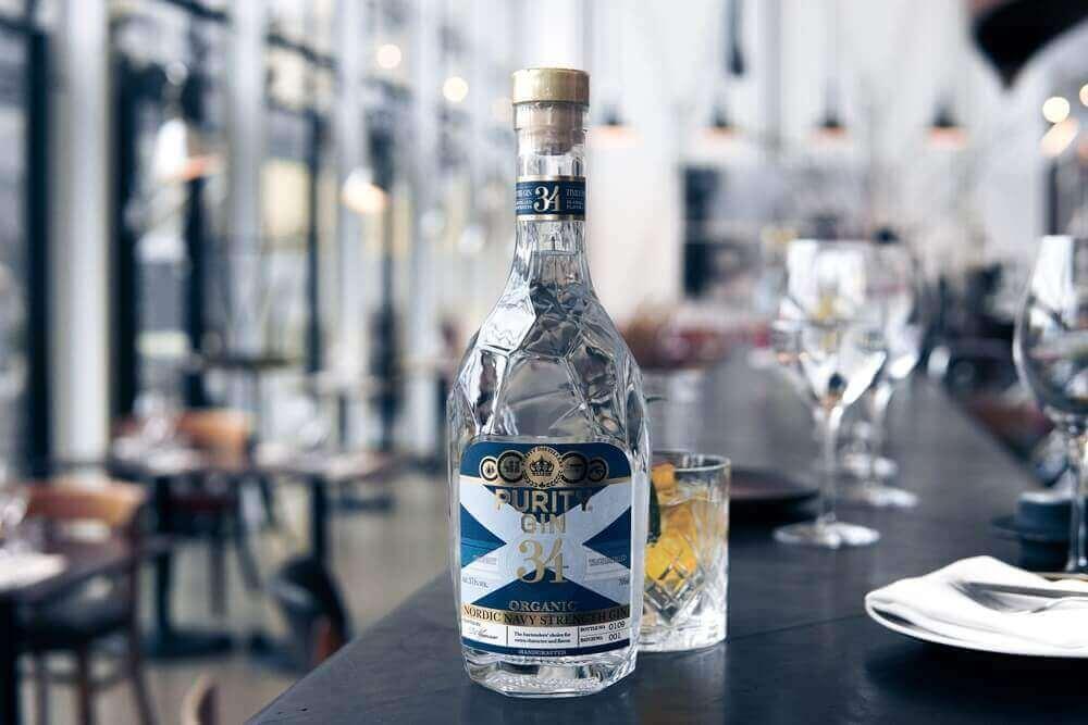 Ett svenskt exempel på Navy Strength är skånska Purity Nordic Navy Strength Organic Gin